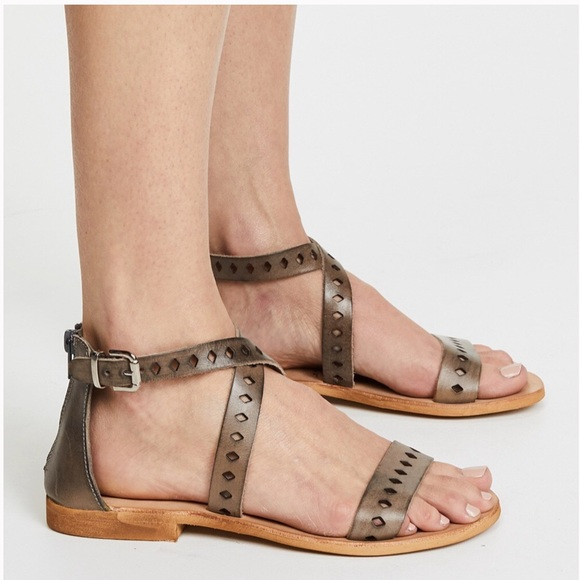 014945bb9 NEW L Space Cocobelle Leather Cross-Strap Sandal